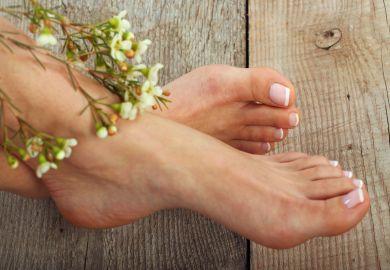 regeneriert die rissige Haut