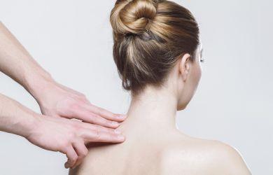 Schmerzlinderung im Nackenbereich